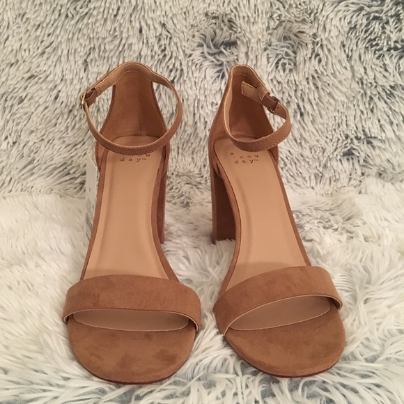 """921a9ce57c9 """"A New Day"""" Sandals NWT"""